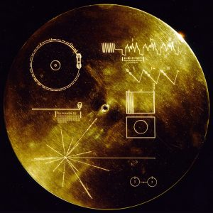 Золота платівка відправлена в космос